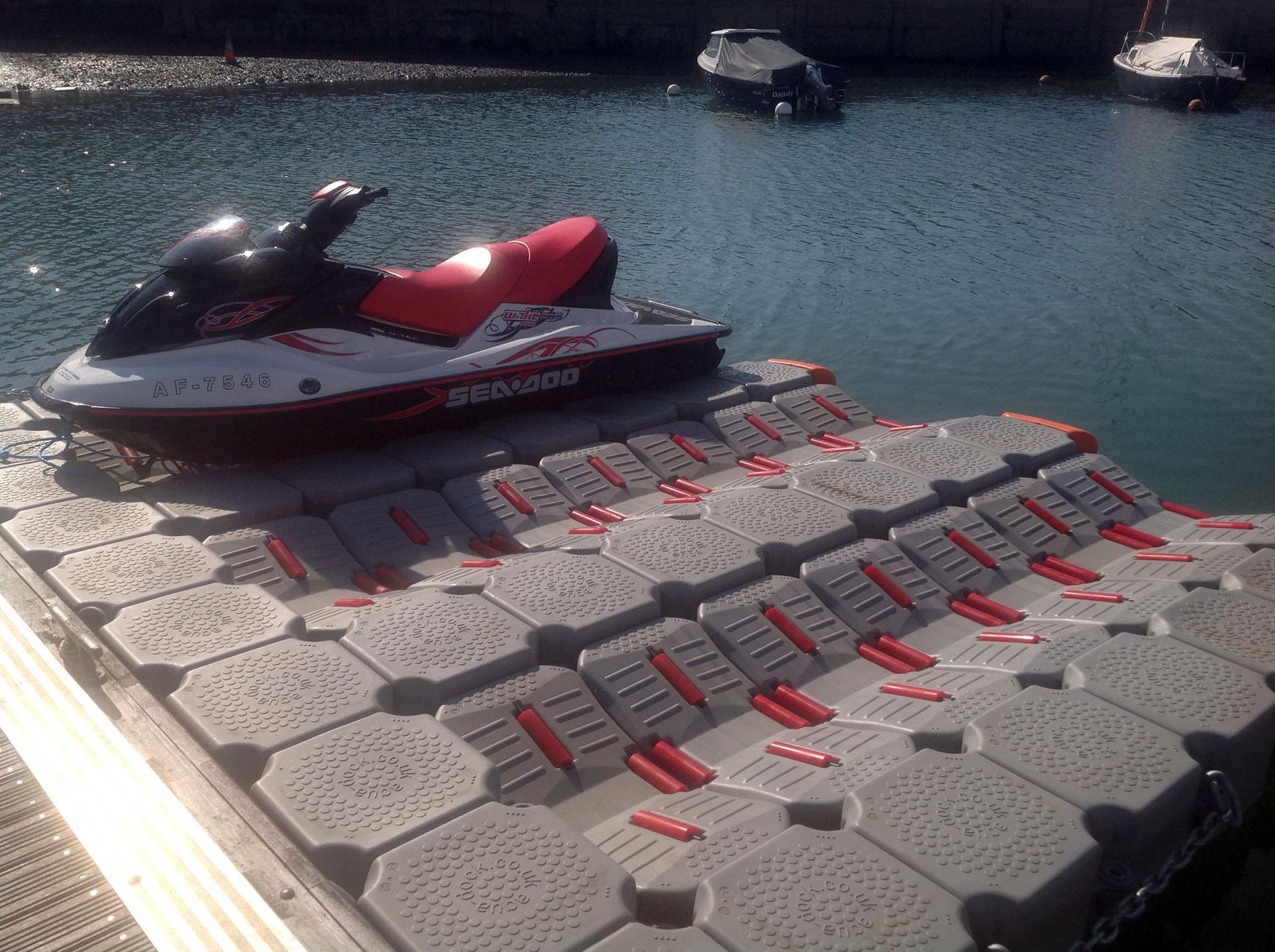 floating dock for jet skis